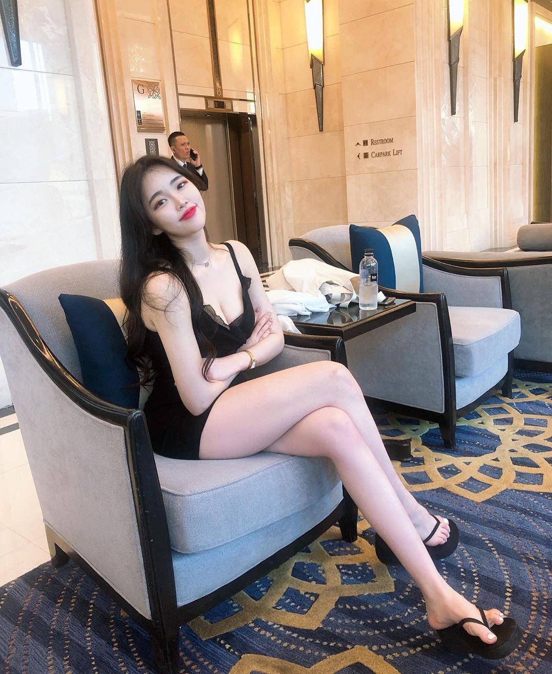 xoyeonee_83534297_2912792328779972_8541613859009123756_n.jpg